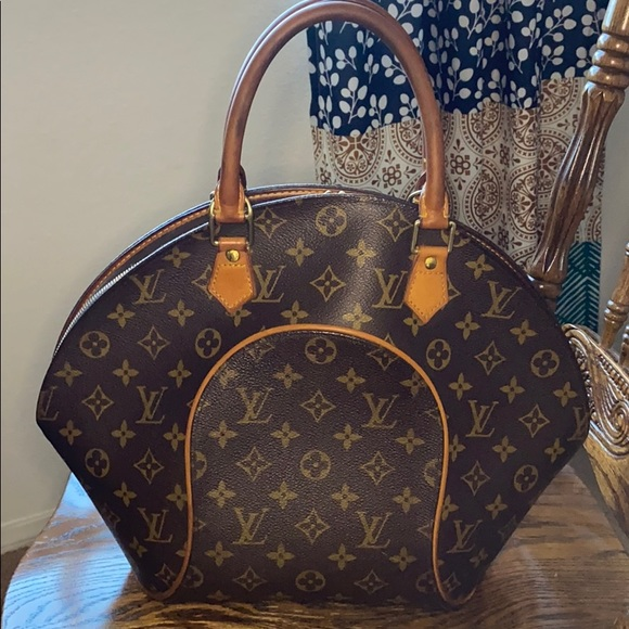 Louis Vuitton Ellipse MM Satchel